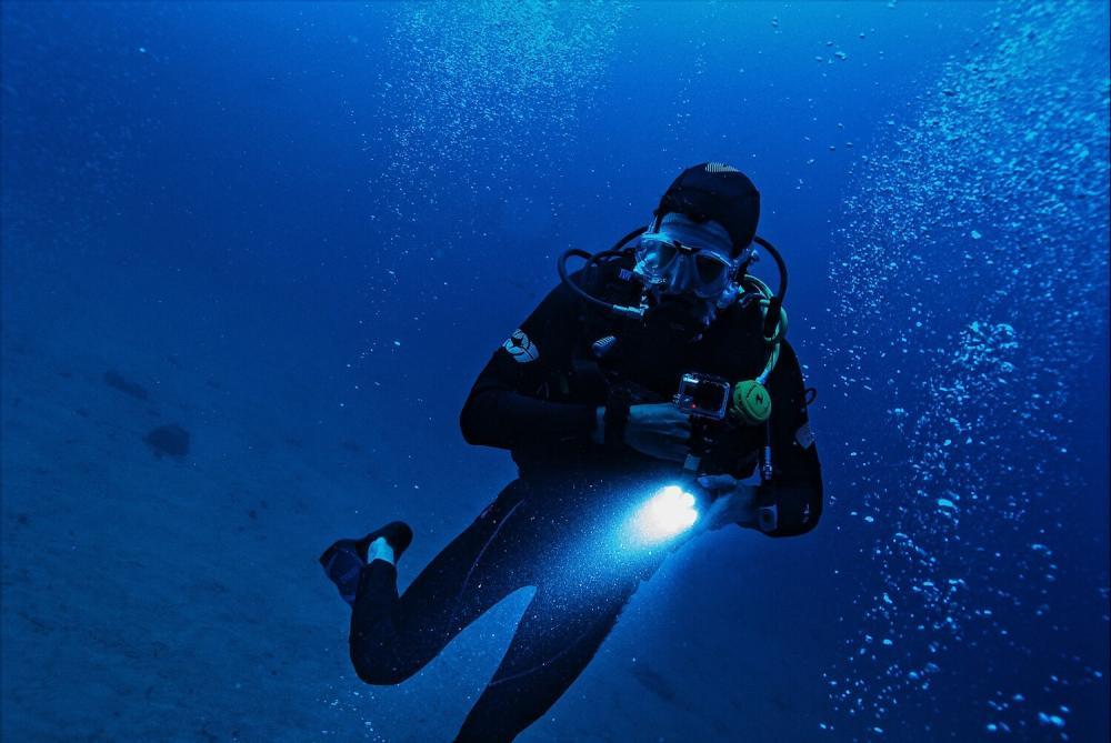 Jak ćwiczyć nurkowanie na bezdechu
