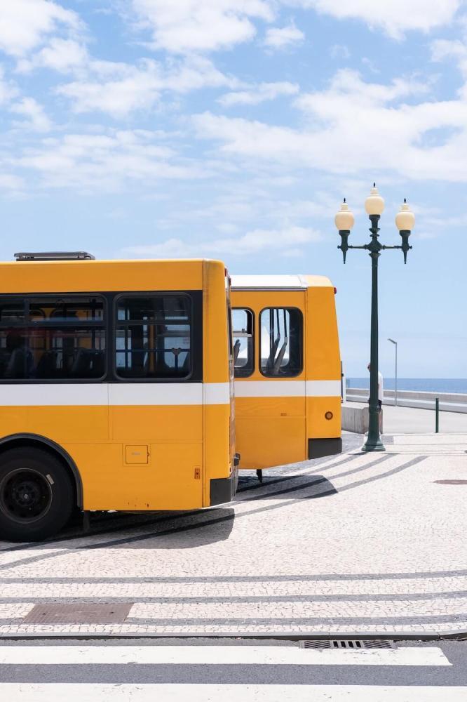 Dlaczego warto wybrać podróż busem?